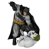 ARTFX DC UNIVERSE BATMAN HUNT THE DARK KNIGHT